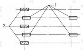 柱子及基础在纵向错开扩建的方案